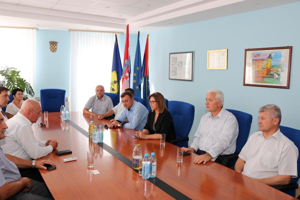 LokalnaHrvatska.hr Kalinovac Kandidati HDZ-a II. izborne jedinice posjetili Opcinu Kalinovac